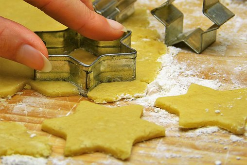 Christmas Cookies & Natural Food Dye (Vegan) by Kathryn Kellogg